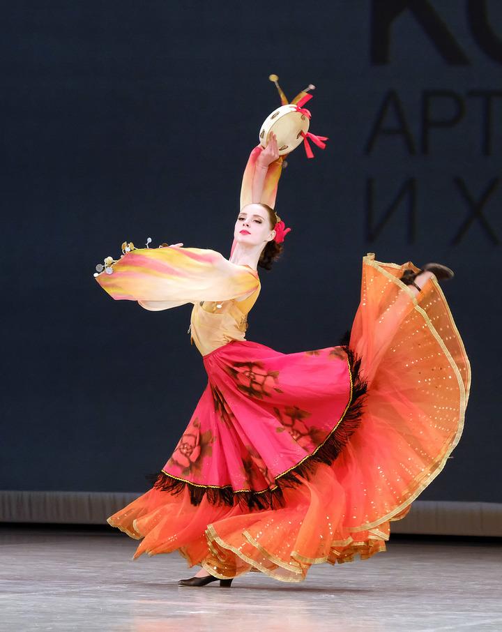 Студентка из Митина завоевала медаль на Всероссийском конкурсе артистов балета